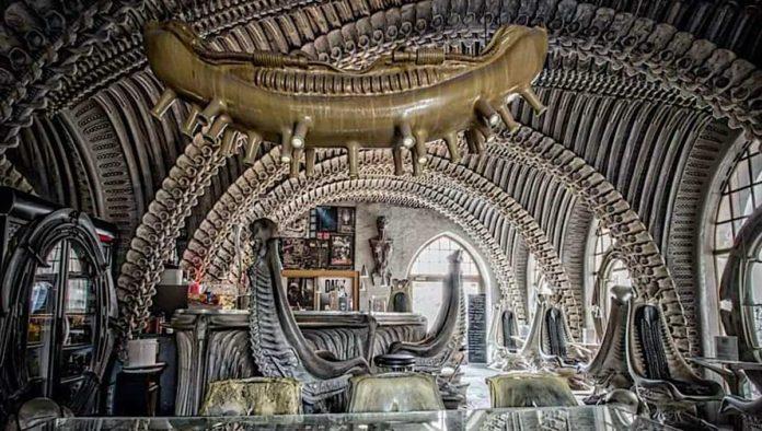 Cuidado con el Alien: ¿te atreverías a visitar el Bar Giger?