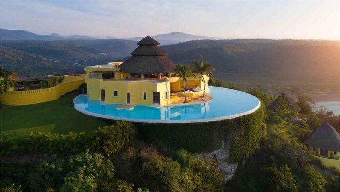 Costa Careyes, el oasis secreto de Luis Miguel y Salma Hayek