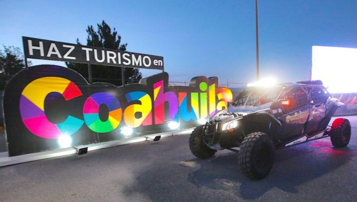 Festeja Coahuila el Día Mundial del Turismo con autos y bicis