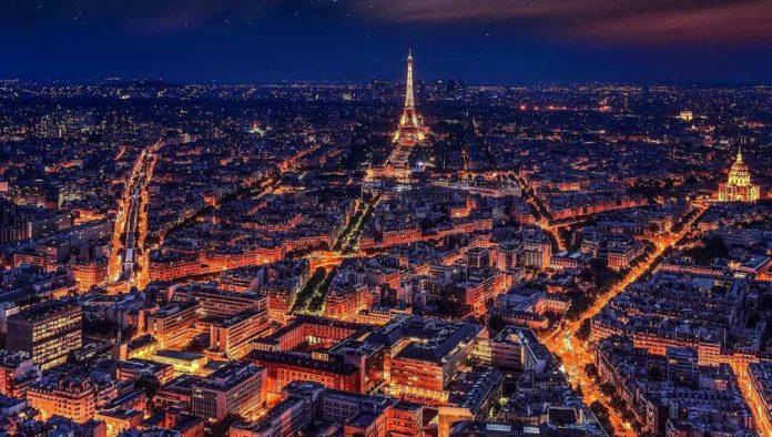 Francia: nuevo confinamiento, pero más flexible; hoteles abiertos