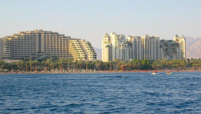 Israel reabre el Mar Rojo y el Mar Muerto al turismo interno