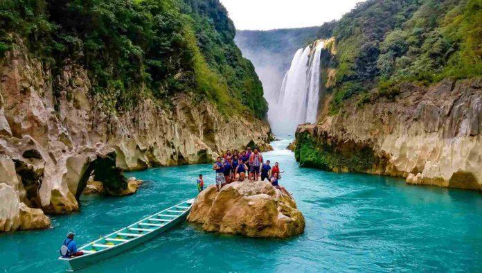 navega_contracorriente_hacia_el_lugar_de_los_cantaros_mexico_travel_channel_1200X680