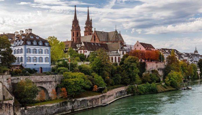 Basilea, caleidoscopio de culturas abrazadas por el río Rin