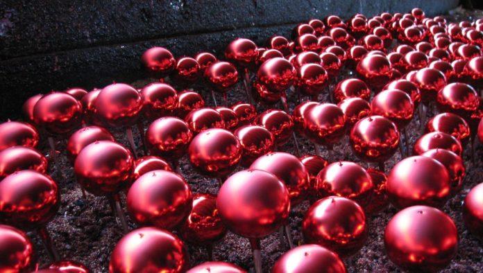 Chignahuapan: líder en la producción de esferas navideñas