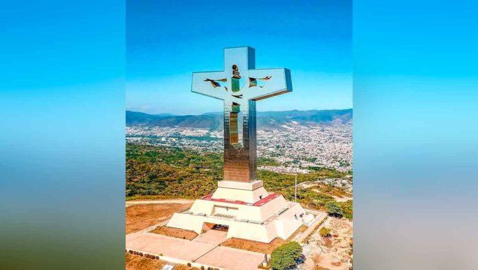Visita el impactante Glorioso Cristo de Chiapas