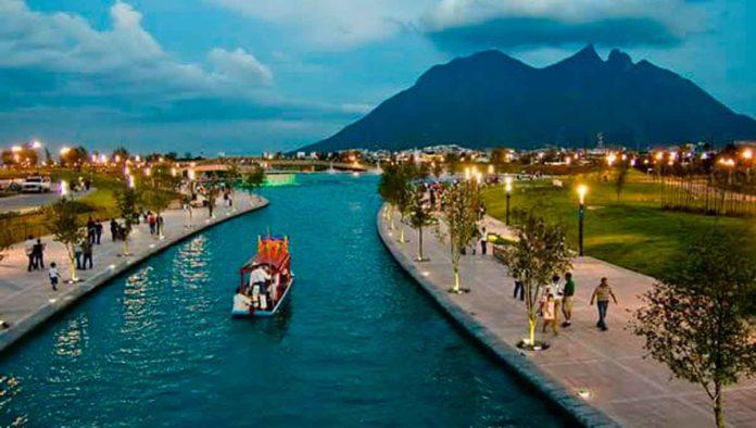 México lindo y querido. Paseo-de-sta-lucia_mexico-travel-channel_1200x680-696x394