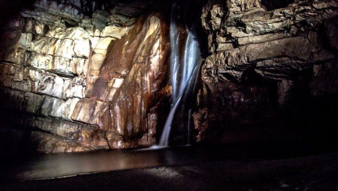 Cascada El Chorreadero: experiencia extrema en cavernas donde reina la oscuridad