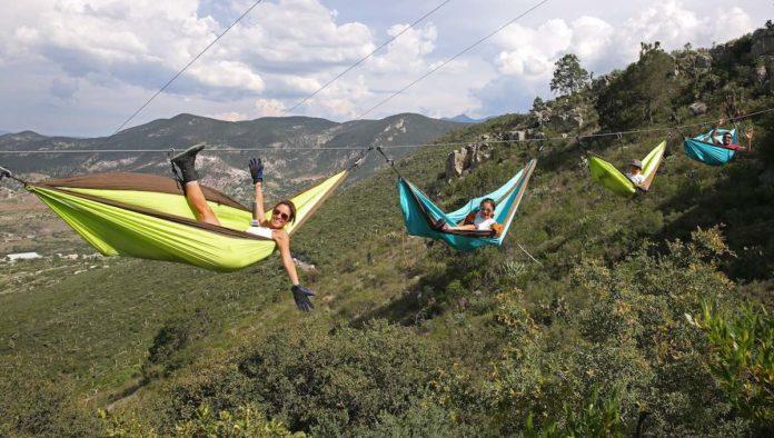 Hamaca con adrenalina: ¿te animarías a dormir suspendido en el aire?