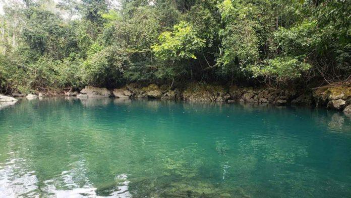 Ven a remar en la Laguna Turquesa, en Minatitlán, Veracruz