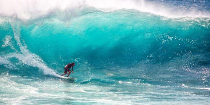 Así es Pipeline, la ola más mortífera del planeta