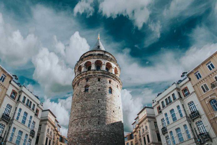 Burj Al Babas, la ciudad con más de 700 castillos abandonados