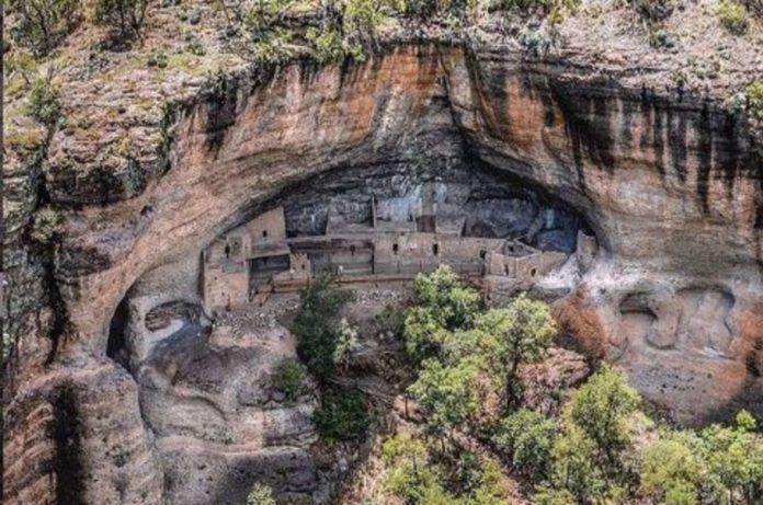 Cuarenta Casas, la zona arqueológica enterrada en una montaña