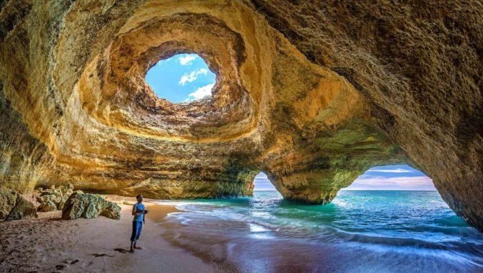 Cueva de Benagil, una de las grandes maravillas de Portugal