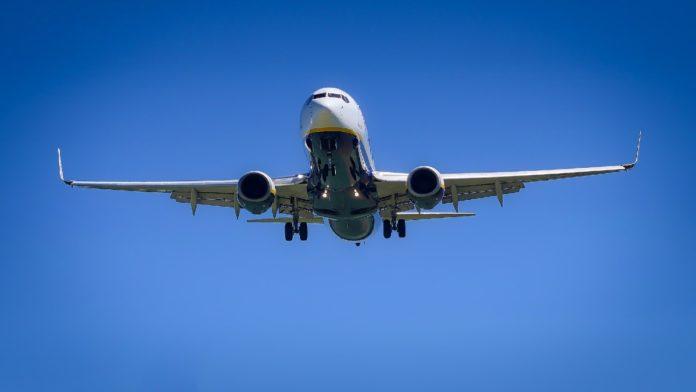 ¿Empresario compra todos los boletos de un vuelo para no contagiarse de Covid-19?