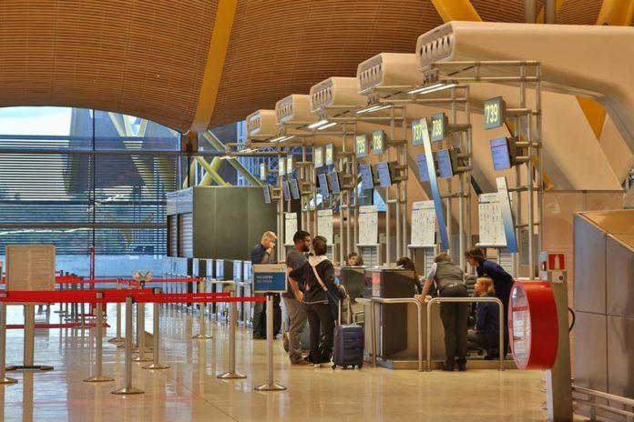 España solicitará prueba PCR a viajeros provenientes de México