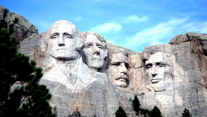 Mount Rushmore: parte de la historia de Estados Unidos tallada en una montaña