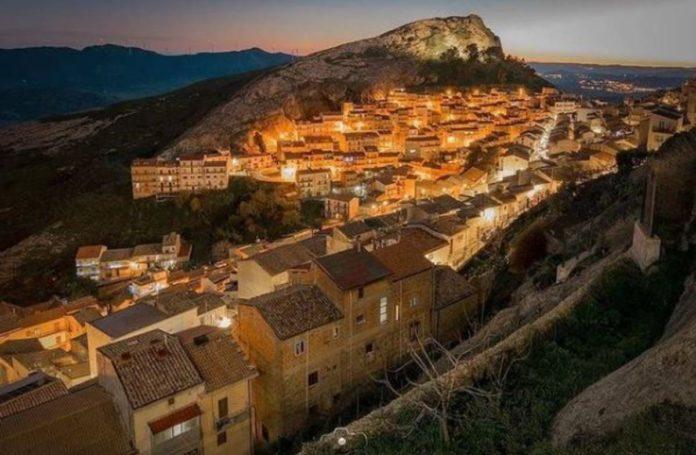 Un pueblo de Italia vende casas en 24 pesos
