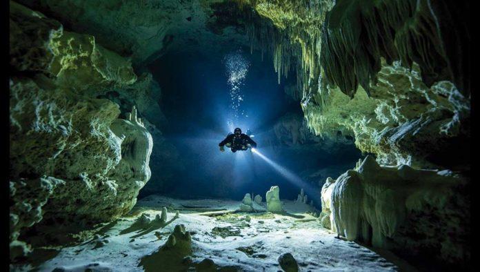 Sumérgete en el azul maya de los cenotes de Yucatán