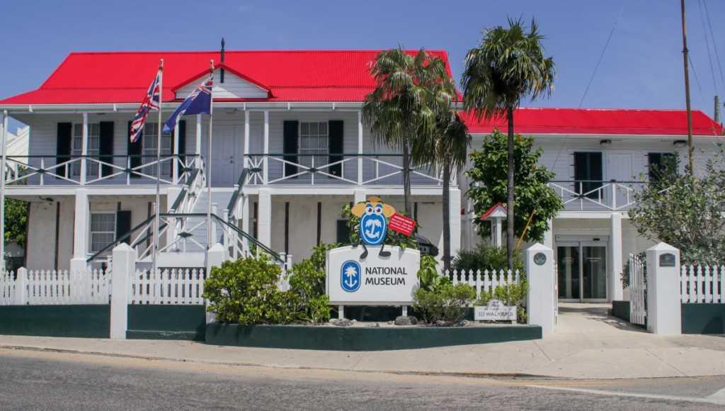 Las Islas Caimán, inspiración desde casa con su museo nacional y su galería