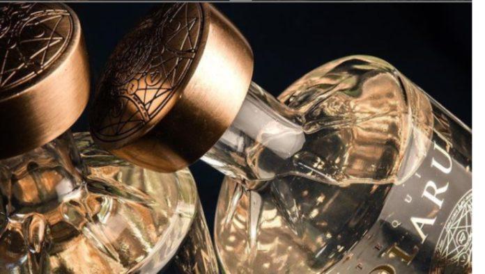 El mejor destilado premium: Tequila Solarum con hojuelas de oro 24K