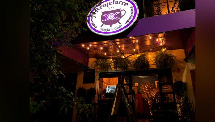 Brujelarre Magia y Café, una cafetería llena de magia y hechizos