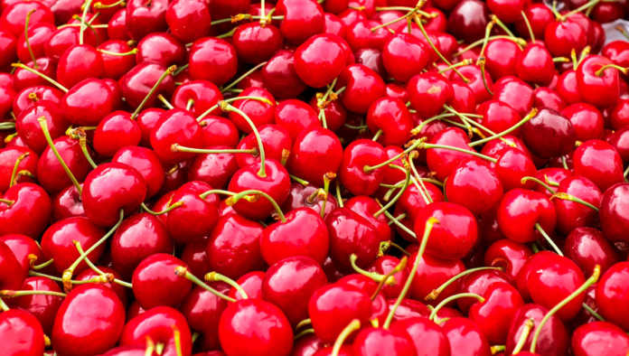 Cerezas: 5 beneficios que te pondrán rojo de alegría