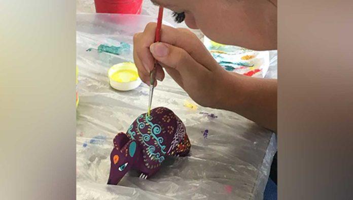 Saca a tu artista interior con este kit de arte mexicano y pinta tu propio alebrije