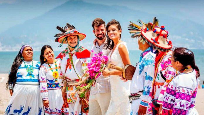 Puerto Vallarta: escenario ideal para tu boda espiritual wixárika