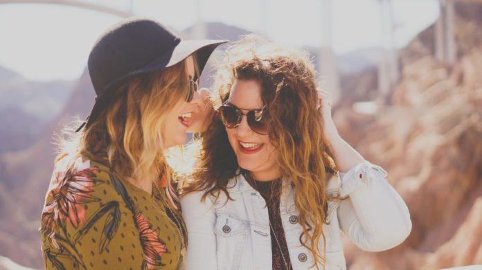 Viajar con frecuencia hace a las personas 7% más felices