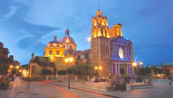 Vibra Querétaro, exposición de corazones