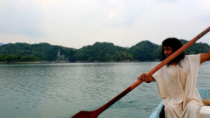 Selva Lacandona: recorrer sus lagunas en cayucos, una tradición ancestral para navegar