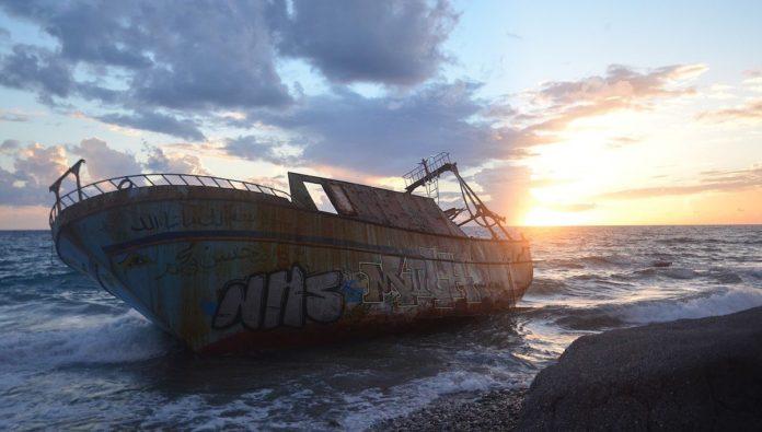 El misterioso barco abandonado en Cozumel