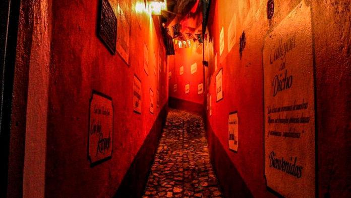 Callejón del Dicho, el paseo irreverente de Real de Monte