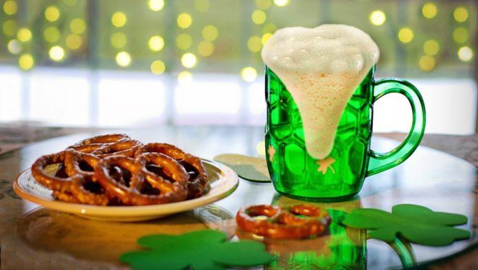 La CDMX celebra a San Patricio con cerveza verde y comida a domicilio