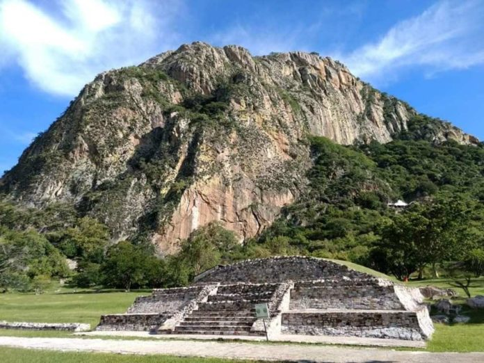 Chalcatzingo, un tesoro arqueológico resguardado por imponentes cerros