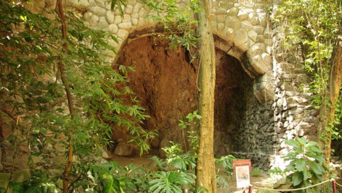 Chapultepec esconde misteriosa cueva