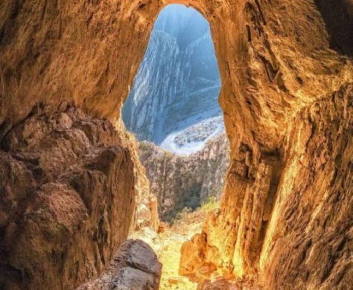 Cueva de la Virgen, una imponente ventana natural