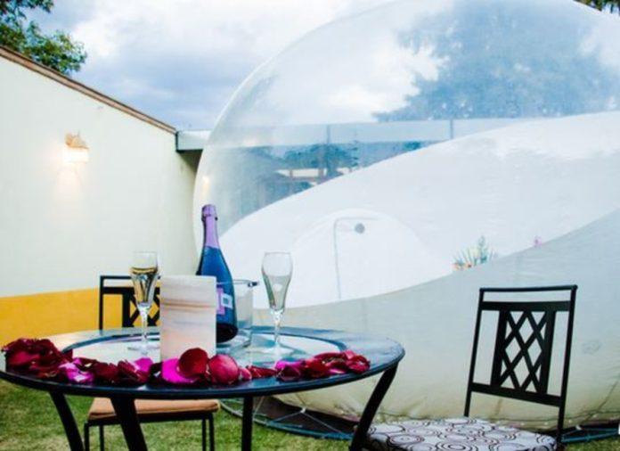Glamping Amate: la tendencia de dormir en burbujas, en el Centro de México