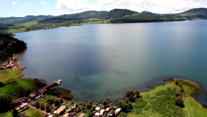 """Lago de Zirahuén, el gran """"espejo de los dioses"""" surge de una misteriosa leyenda"""
