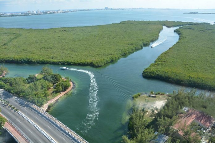 Laguna de Nichupté: unión consciente de las aguas dulce y salada