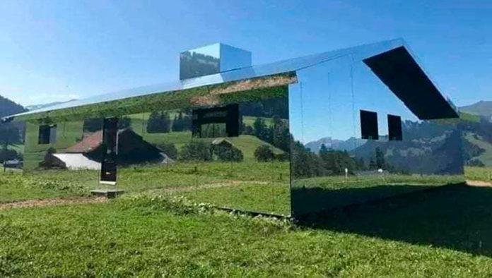 Mirage Gstaad, la cabaña que refleja la montaña suiza