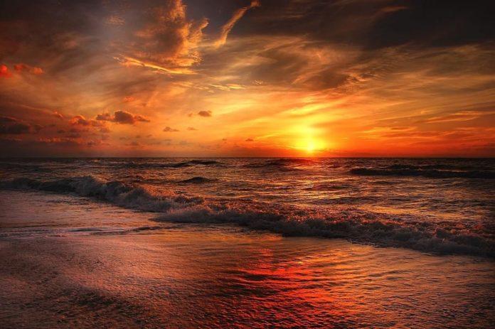 Playa Bacocho, un edén multicolor de la costa oaxaqueña