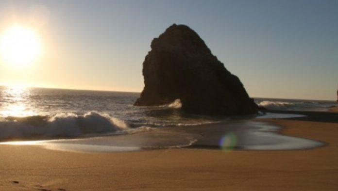 Playa La Llorona, un paraíso escondido en la costa de Michoacán