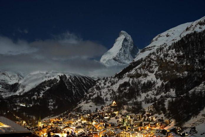 Zermatt, un pueblo rodeado por imponentes picos nevados