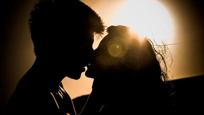 Los 5 besos más memorables de la historia