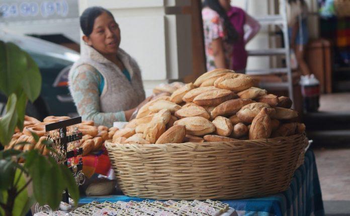 Bolillo, un infaltable de la gastronomía mexicana