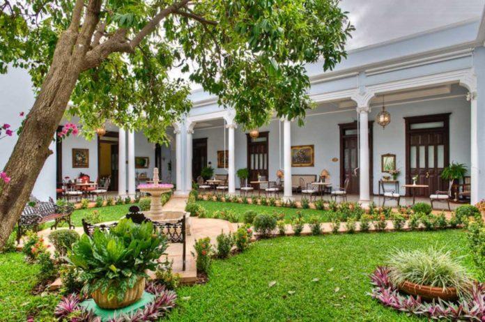 Casa Azul, un brillo histórico y tradicional de Mérida