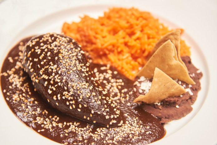 Mole: el platillo más tradicional de México