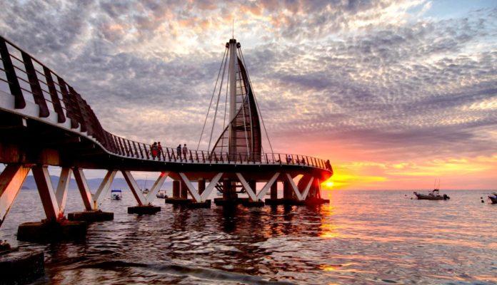 Puerto Vallarta: los mejores atardeceres se vibran en el Muelle de Los Muertos