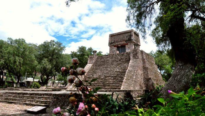 Pirámide de Santa Cecilia Acatitlán